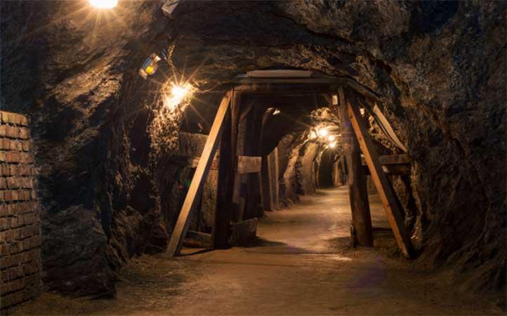 حفاری در معدن