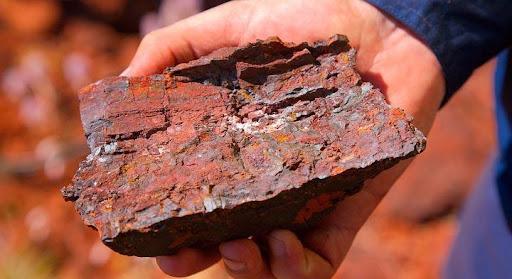 سنگ مس استخراج شده از معدن